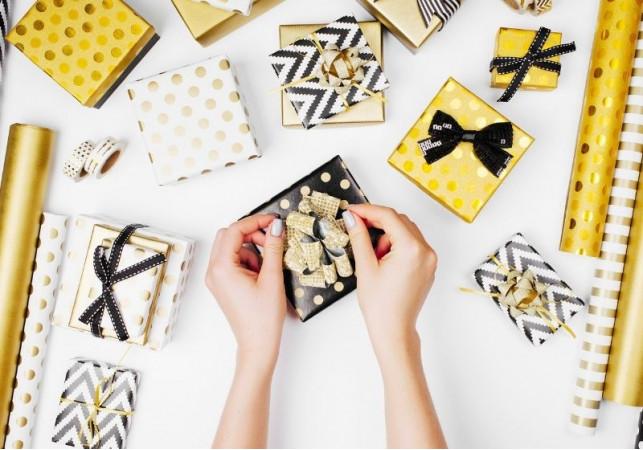 Elegantno i svečano: upakujte poklone za voljene